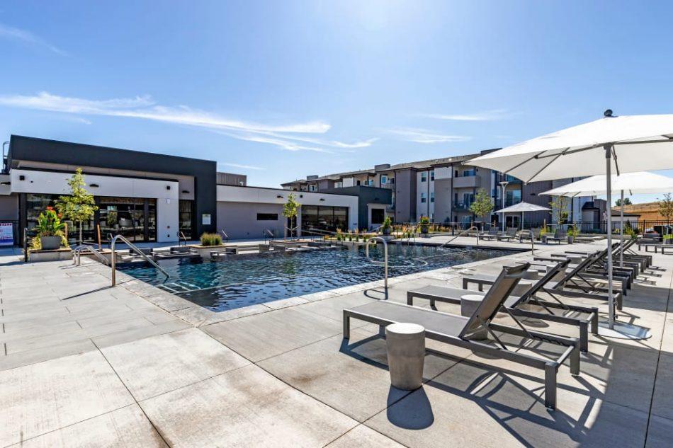 The_Wyatt-pool